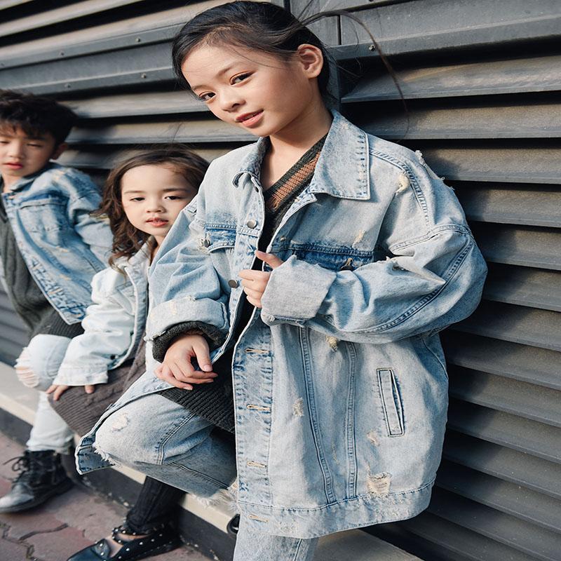 Xu hướng sử dụng quần jean cho bé hiện nay